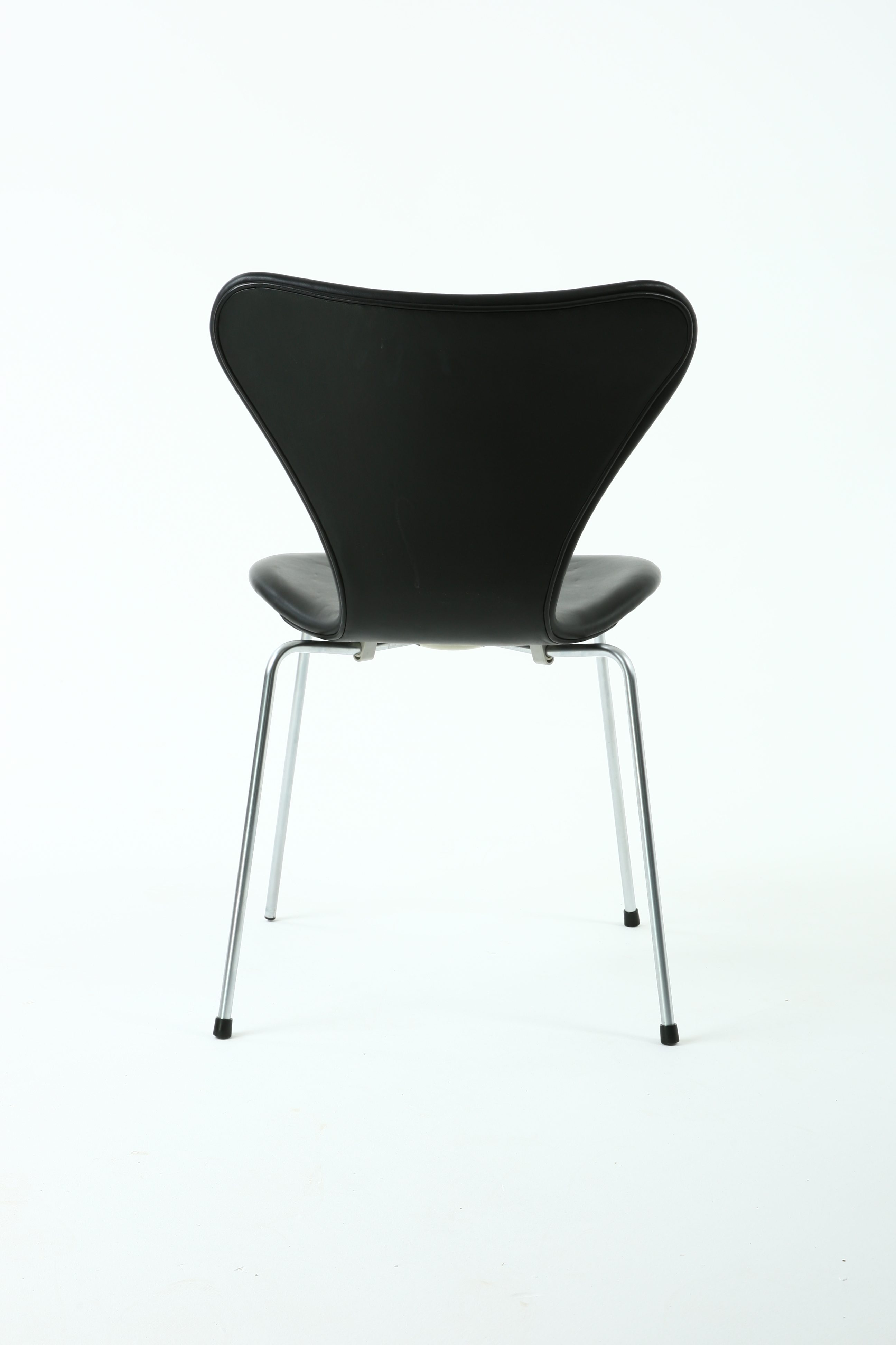 Arne Jacobsen Chair W Leather 3107 For Fritz Hansen